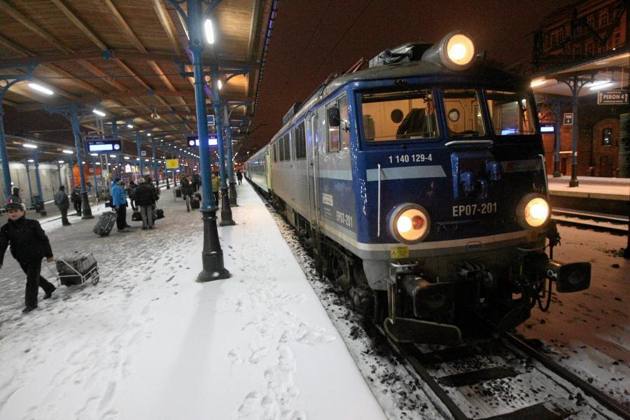 Pociąg na dworcu w Szczecinie