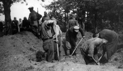 Ekshumacja Polaków w 1945 roku w Lidzie? Czy to ofiary obławy augustowskiej? IPN prosi o pomoc