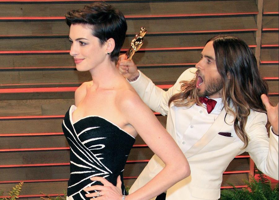 Anne Hathaway i Jared Leto na oscarowym przyjęciu \