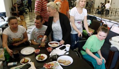 Protest rodziców niepełnosprawnych dzieci w Sejmie
