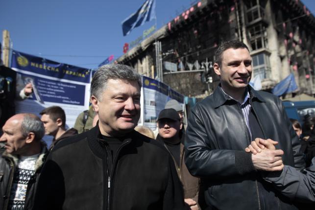 Petro Poroszenko i Witalij Kliczko na Majdanie w Kijowie