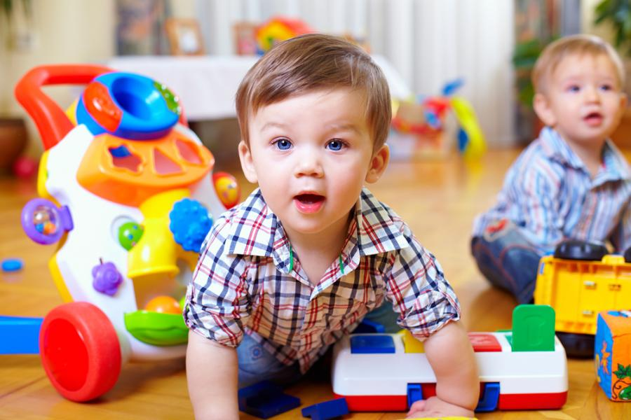 Zabawa niemowląt