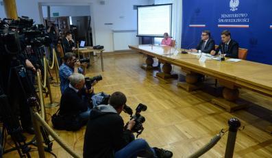 Konferencja prasowa Marka Biernackiego i Michała Królikowskiego