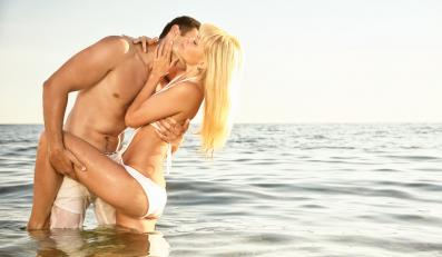 Nierozsądne zachowania seksualne, na które kobiety pozwalają sobie latem
