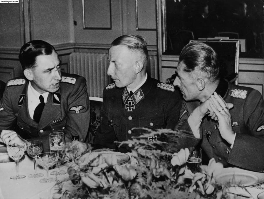Kaci Warszawy: Heinz Reinefarth (w środku)