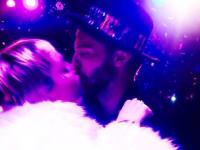 Miley Cyrus balowała w Vegas z Arnoldem Schwarzeneggerem [ZDJĘCIA]