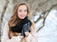 Kilka rzeczy, które musisz mieć w kosmetyczce podczas ferii zimowych. PRZEGLĄD
