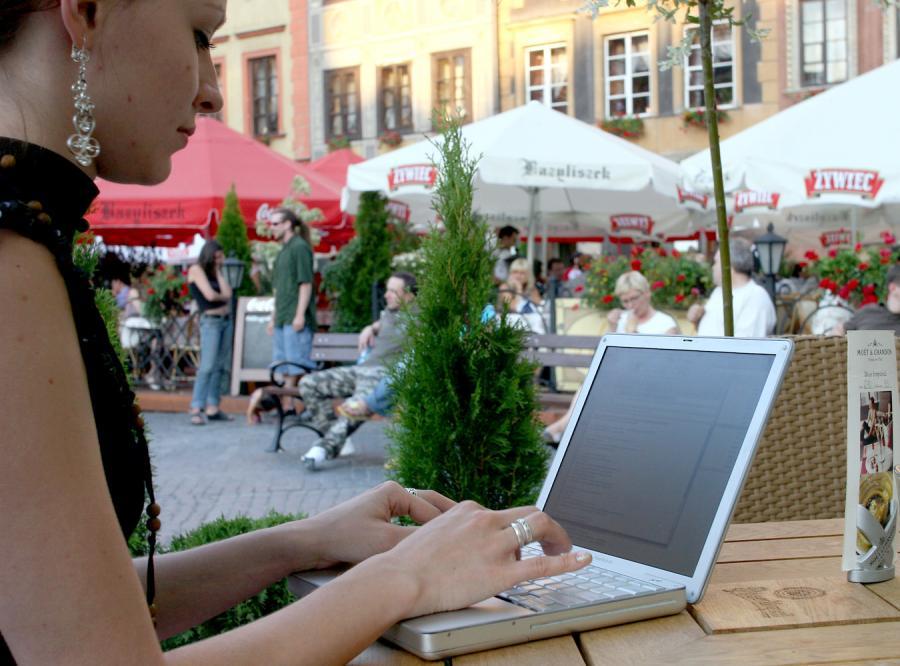 Szybki internet? Tylko za granicą