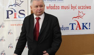 Spotkanie z Jarosławem Kaczyńskim w Olsztynie zakłóciły chrupiące czipsy