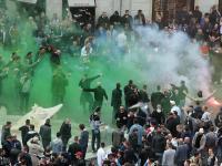 Krew na Schodach Hiszpańskich. Kibole Romy i Feyenoordu bili się w centrum miasta. ZDJĘCIA