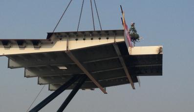 Most Grota-Roweckiego w Warszawie oddany przed czasem?