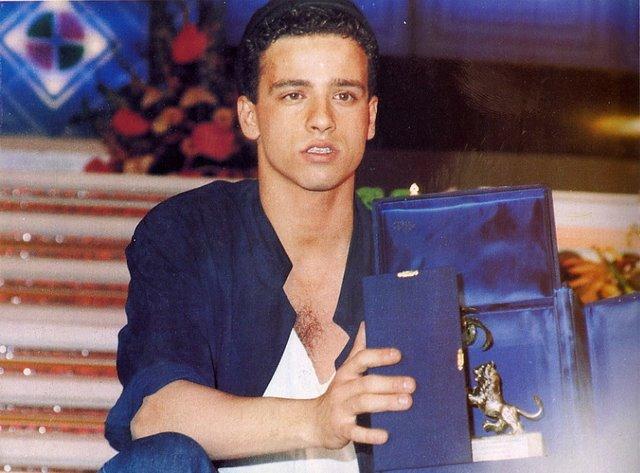 Eros Ramazzotti na początku swojej kariery (w 1986 roku)