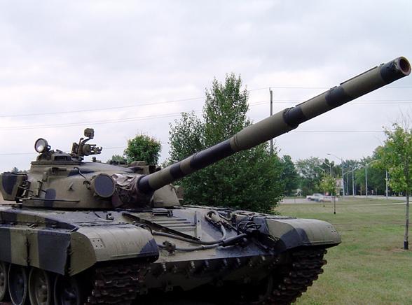 Taki czołg staranował skrzyżowanie