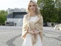 Na bogato: Magdalena Ogórek w chuście za 2 tysiące!