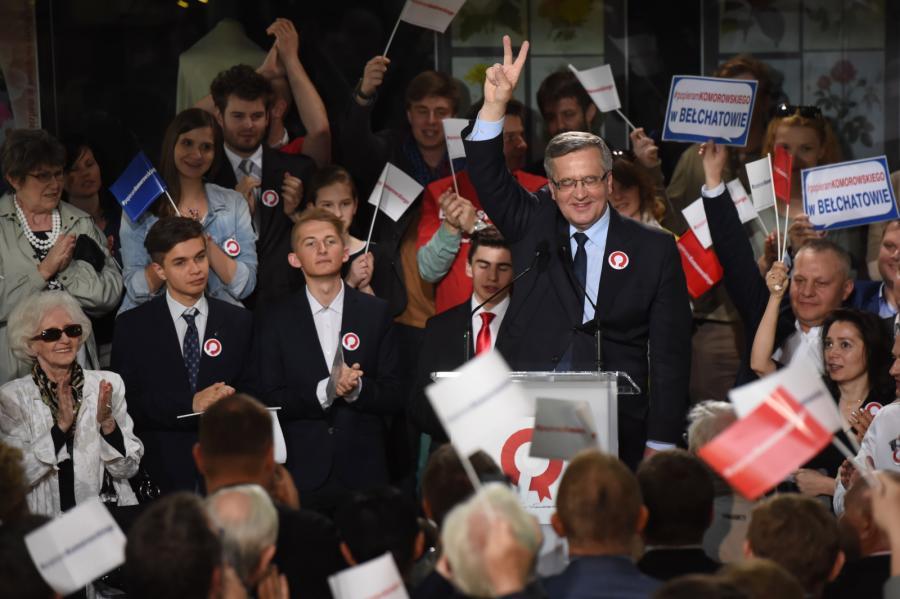 Bronisław Komorowski w czasie spotkania z wyborcami w Łodzi