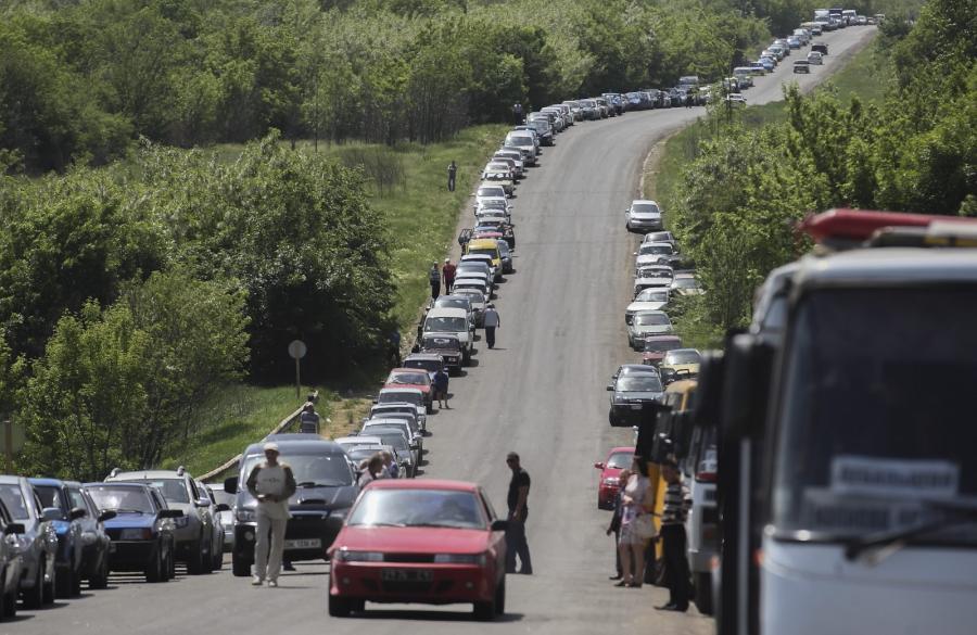 Punkt kontrolny między separatystami i siłami ukraińskimi niedaleko Doniecka
