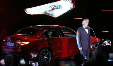 Andrea Bocelli przywitał nową Alfę Romeo Giulia