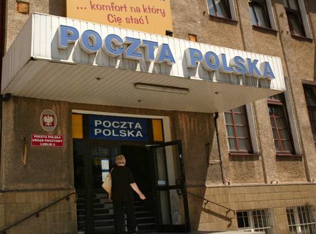 Poczta Polska tnie etaty na potęgę