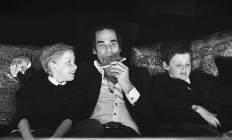 Nick Cave z synami: Arthurem i Earlem