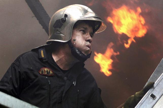 GRECJA. Płoną lasy i przedmieścia. Strażacy i żołnierze walczą z ogniem