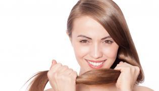 Kobieta z pięknymi włosami