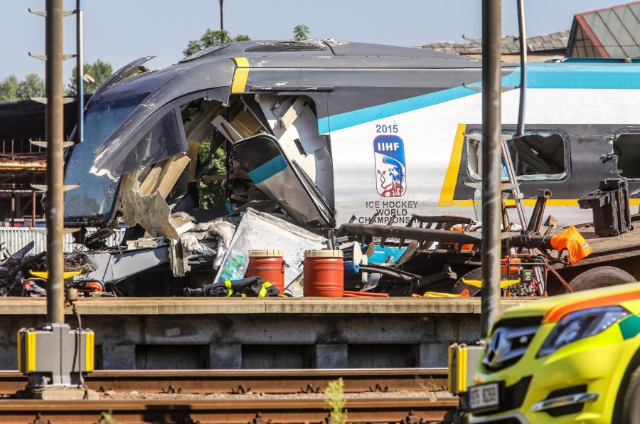 Polak spowodował katastrofę pociągu pendolino w Studence w Czechach