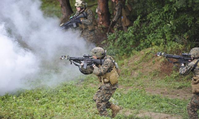 Trening militarny na Ukrainie. Szkoli się 2 tys. żołnierzy