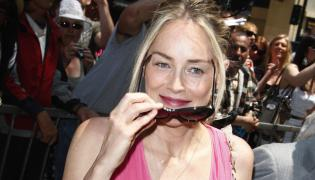 Sharon Stone spędza noc ze studentem
