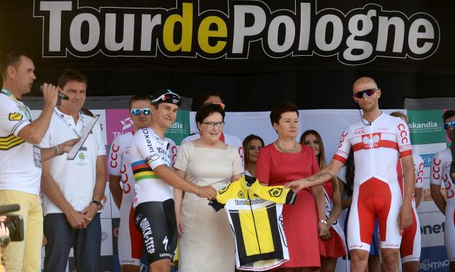 Premier Ewa Kopacz na starcie Tour de Pologne. ZDJĘCIA