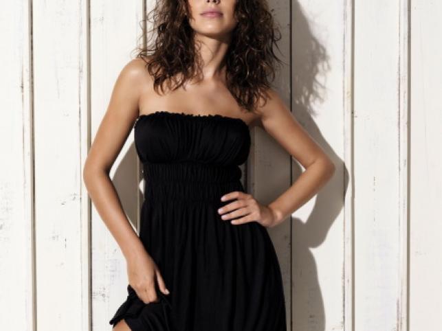 Diana Villas Boas to młoda modelka z Brazylii. Delikatnie zmysłowa sesja powstała dla firmy Venus