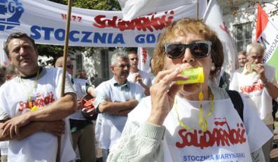 Związkowcy w Warszawie walczą o stocznię