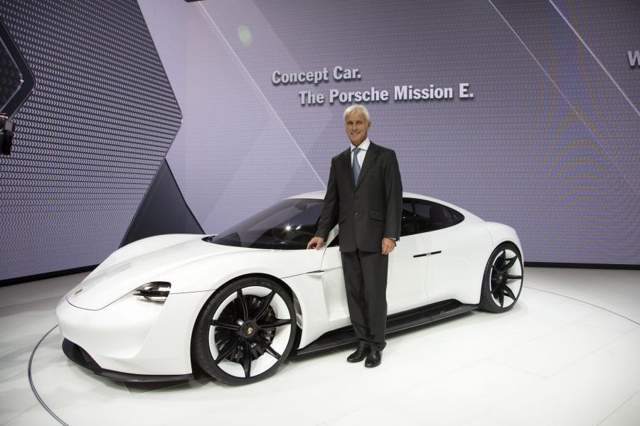 Matthias Müller i Porsche Concept Mission E
