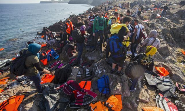 Lesbos przytloczona przez imigrantów. Tylko w tym roku przybyło ich 200 tys. ZDJĘCIA