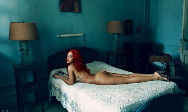 Rihanna naga w obiektywie Annie Leibovitz [ZDJĘCIA]