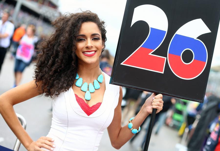Piękne dziewczyny na torze Formuły 1 podczas Grand Prix USA