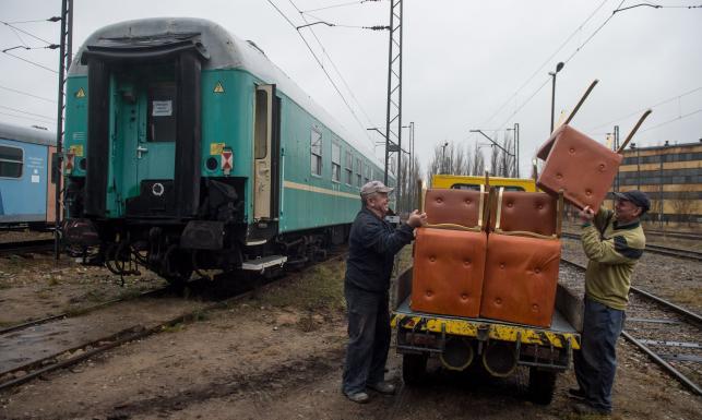 Podróżowali nim m.in. Gierek, Jaruzelski, Wałęsa, teraz pociąg trafił do muzeum. GALERIA
