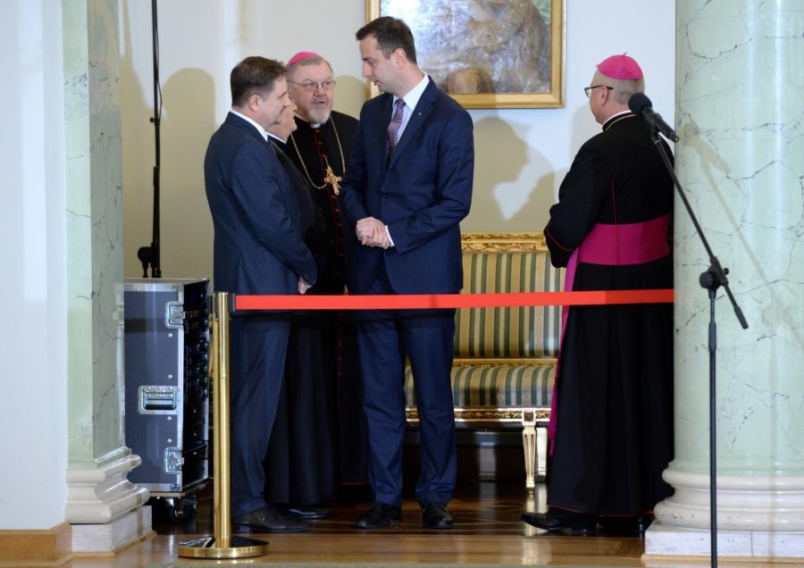 Prezes PSL Władysław Kosiniak-Kamysz, biskup Antoni Dydycz oraz lider NSZZ \