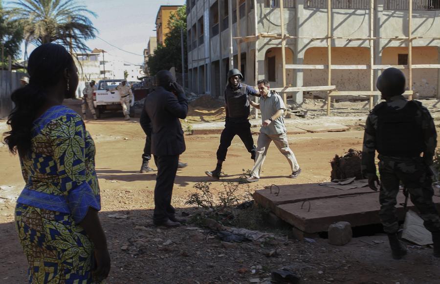 Akcja sił specjalnych w Mali. Terroryści przeprowadzili atak na hotel