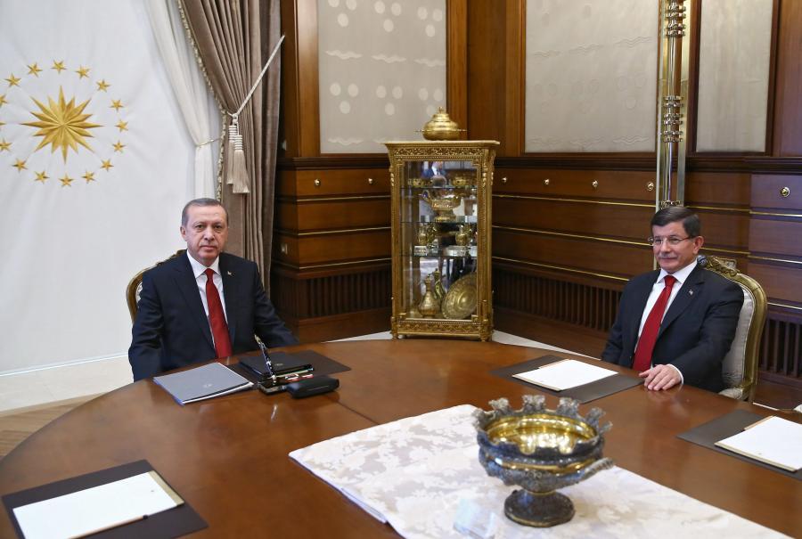 Prezydent Recep Tayyip Erdogan i premier Ahmet Davutoglu