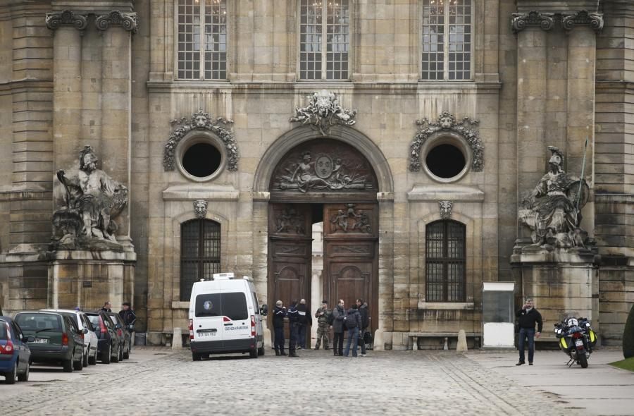 Bramy wiodące do Pałacu Inwalidów
