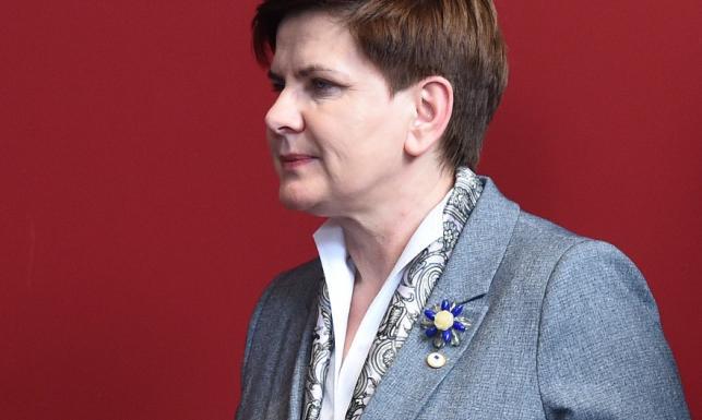 Jazda bez trzymanki: Beata Szydło została modową trendsetterką...