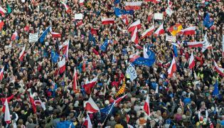 Manifestacja KOD na Placu Solnym we Wrocławiu