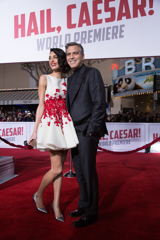 "George i Amal Clooney na premierze ""Ave Cezar!"""