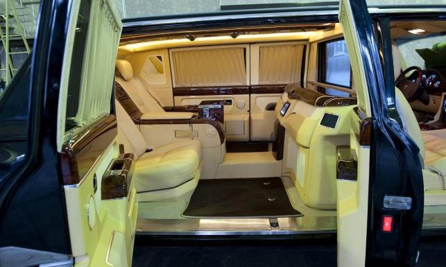 Tajemnicza limuzyna Putina ujawniona. To jedyny taki samochód na świecie. ZDJĘCIA prosto z Moskwy