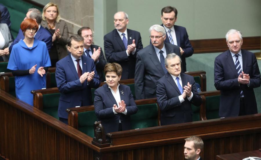 Beata Szydło i członkowie jej rządu