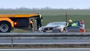 BMW z floty BOR po wypadku na autostradzie A4
