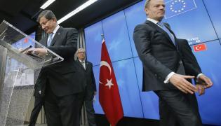 Turecki premier Ahmet Davutoglu i Donald Tusk