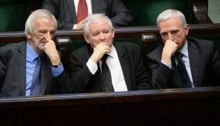 Prezes PiS Jarosław Kaczyński, poseł Piotr Naimski i wicemarszałek Sejmu Ryszard Terlecki
