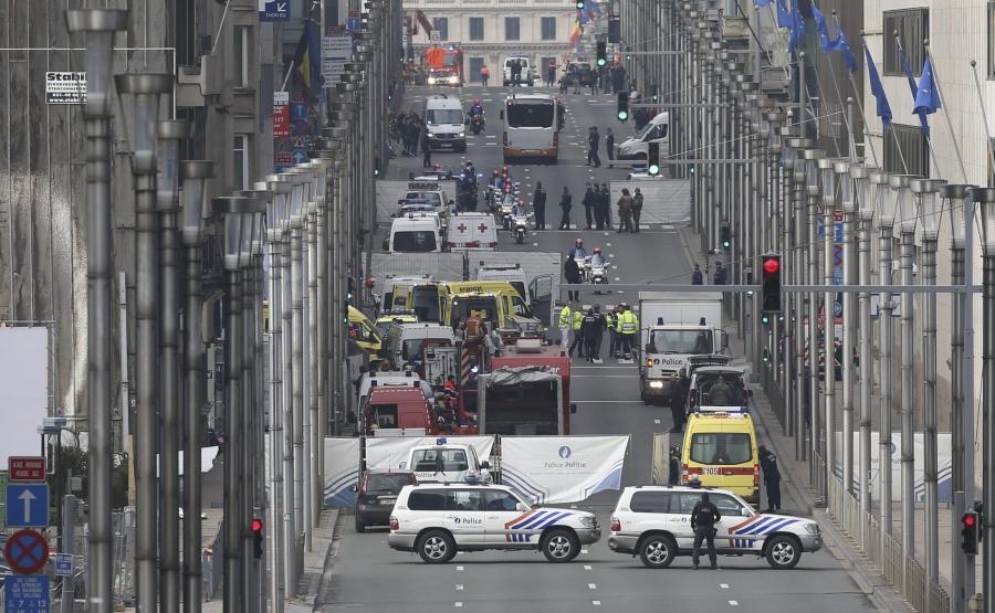 Bruksela, Rue de la Loi. Okolice stacji metra Maelbeek po ataku terrorystycznym