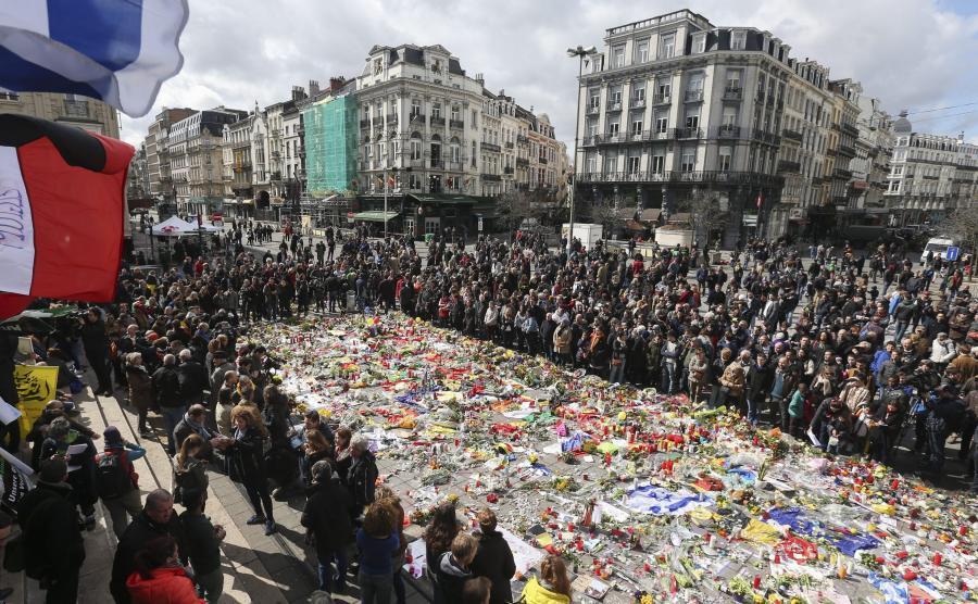 Belgowie oddają hołd ofiarom zamachu